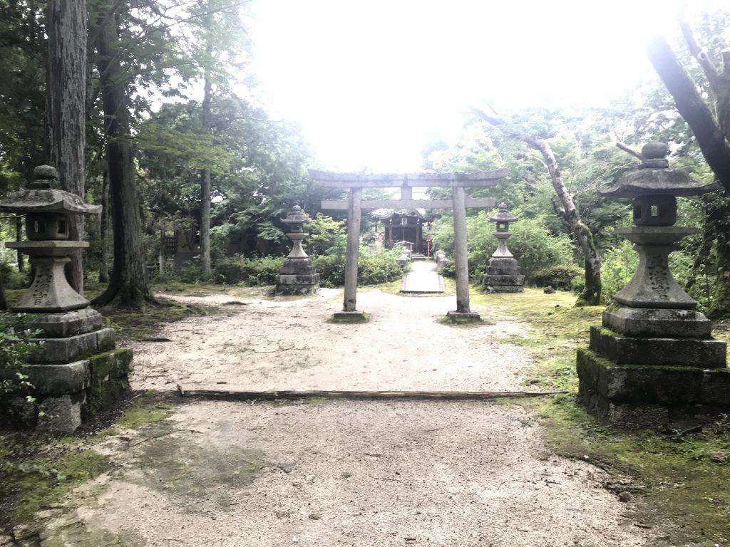 天満宮:菅原道真公を祀る 曼殊院内一番古い建物 鎮守堂